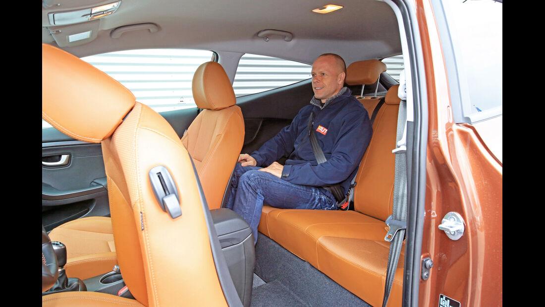 Hyundai i30 1.6 CRDi Coupé, Rücksitz, Beinfreiheit