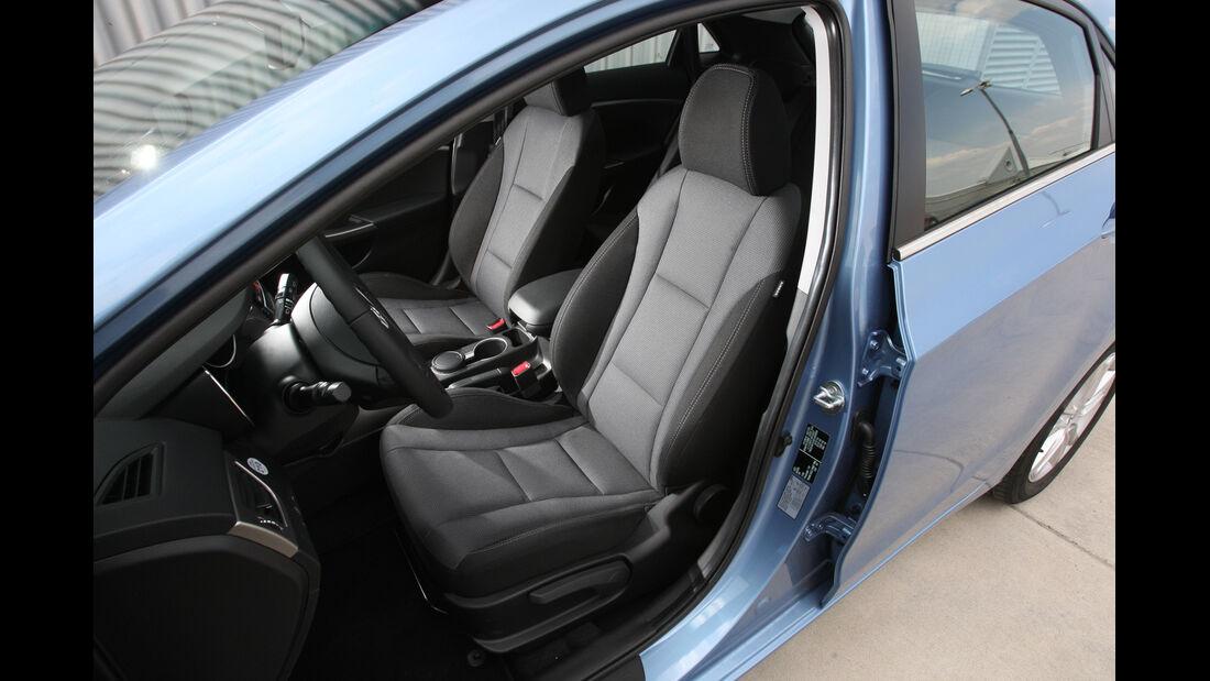 Hyundai i30 1.6 CRDi Trend, Fahrersitz, Vordersitz