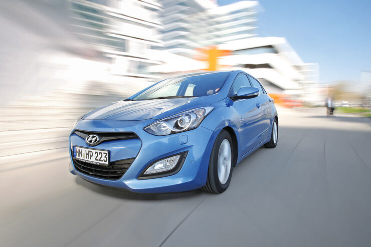 hyundai i30 blue 1 6 crdi trend im test zweiter kompakt. Black Bedroom Furniture Sets. Home Design Ideas