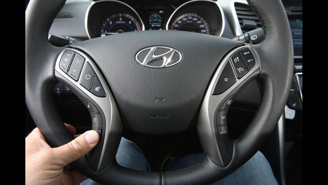 Hyundai i30 1.6 CRDi Trend, Lenkrad