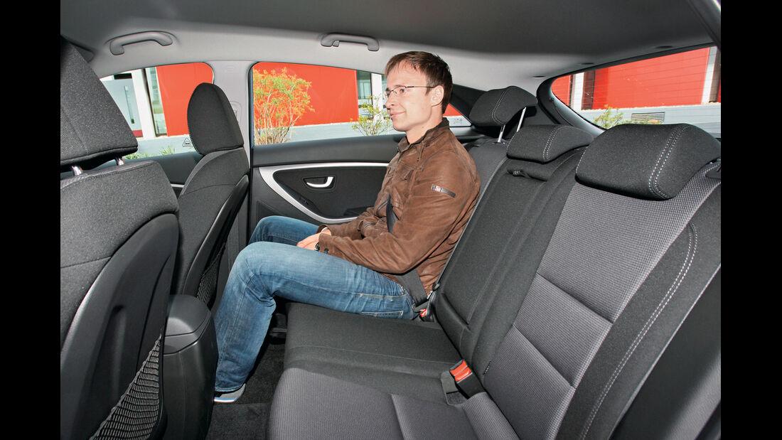 Hyundai i30 1.6 CRDi Trend, Rückbank, Beinfreiheit