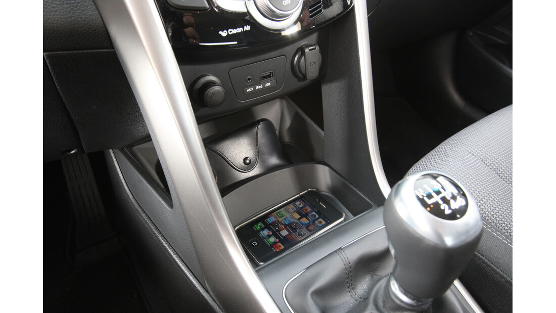 Hyundai i30 1.6 CRDi Trend, Schalthebel, Schalknauf