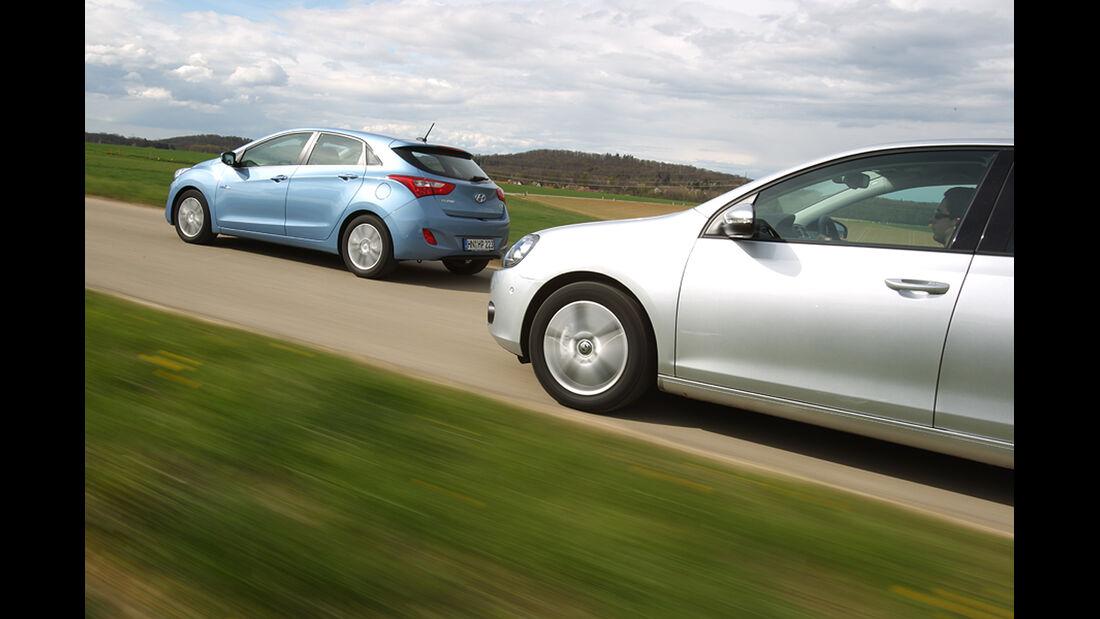 Hyundai i30 1.6 CRDi, VW Golf 1.6 TDI