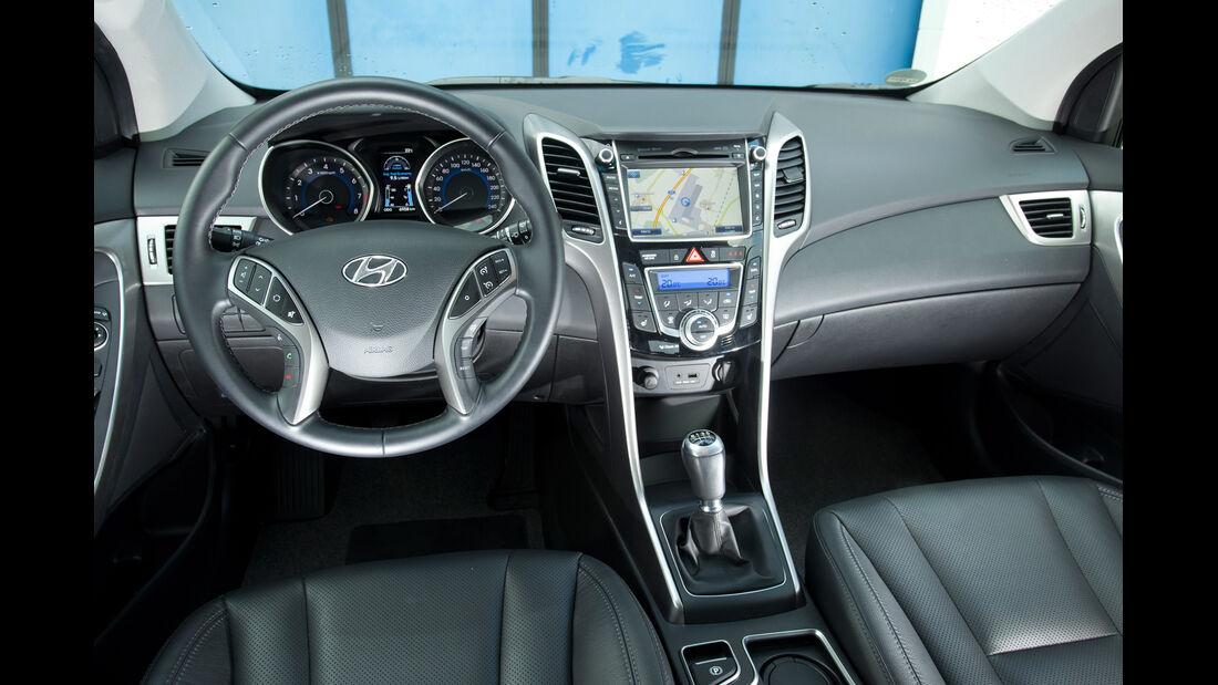 Hyundai i30 1.6, Cockpit