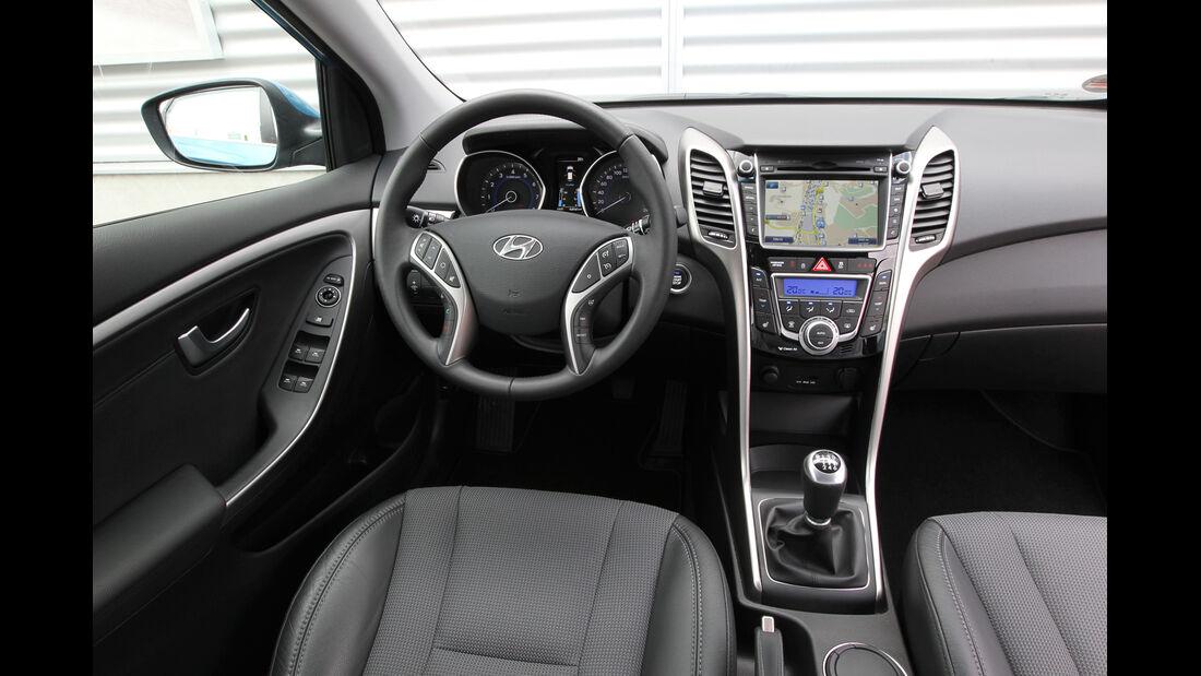 Hyundai i30 1.6, Hyundai 1.6 CRDi, Cockpit