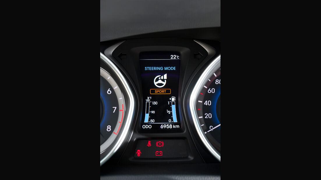 Hyundai i30 1.6, Monitor, Bordcomputer