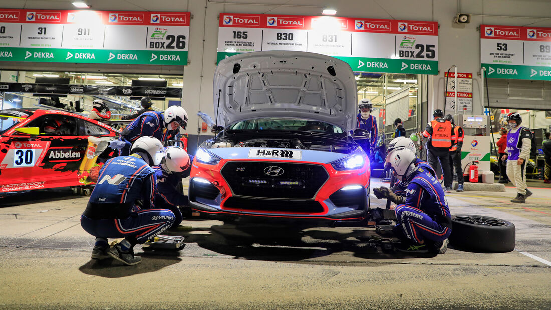 Hyundai i30 N - Hyundai Motorsport N - Startnummer #830 - 24h-Rennen - Nürburgring - Nordschleife - Donnerstag - 24. September 2020