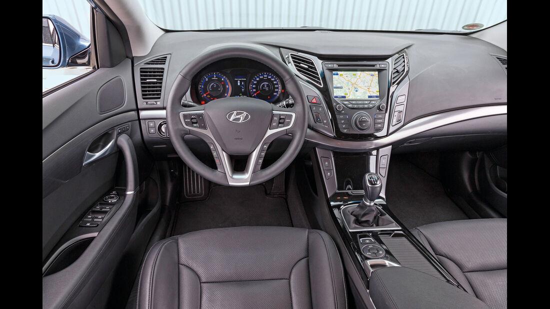 Hyundai i40 1.7 CRDi, Cockpit, Lenkrad