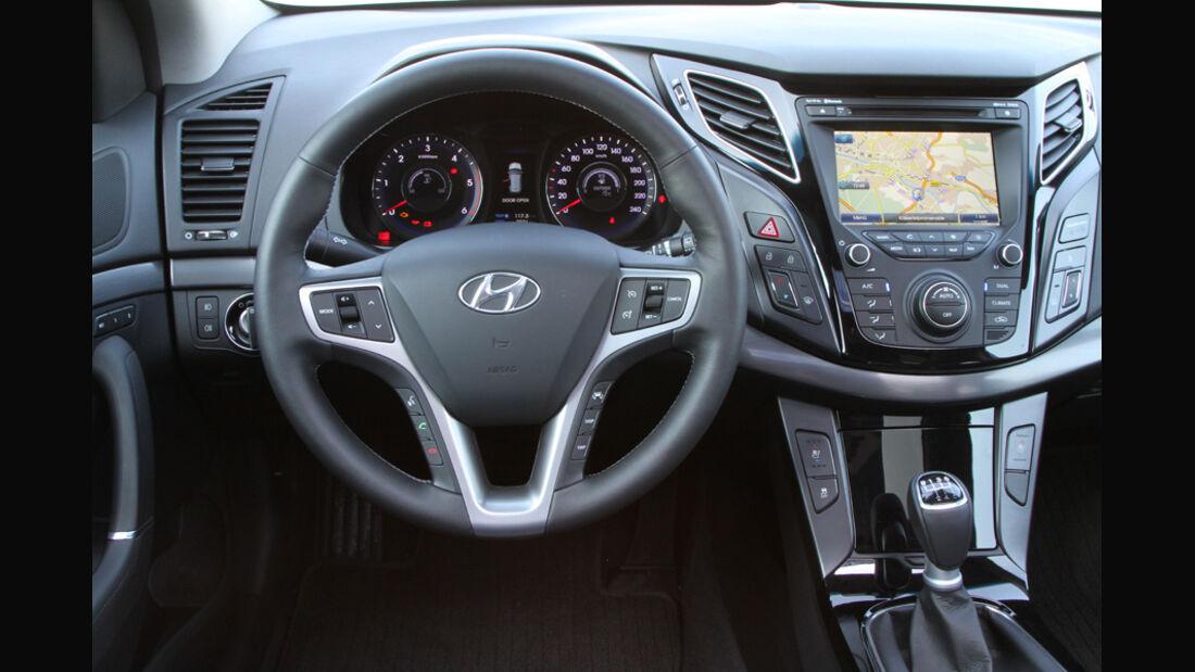Hyundai i40 1.7 CRDi Style, Detail, Cockpit, Lenkrad