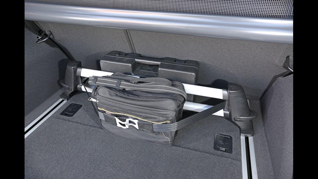 Hyundai i40, Fixieren, Kofferraum