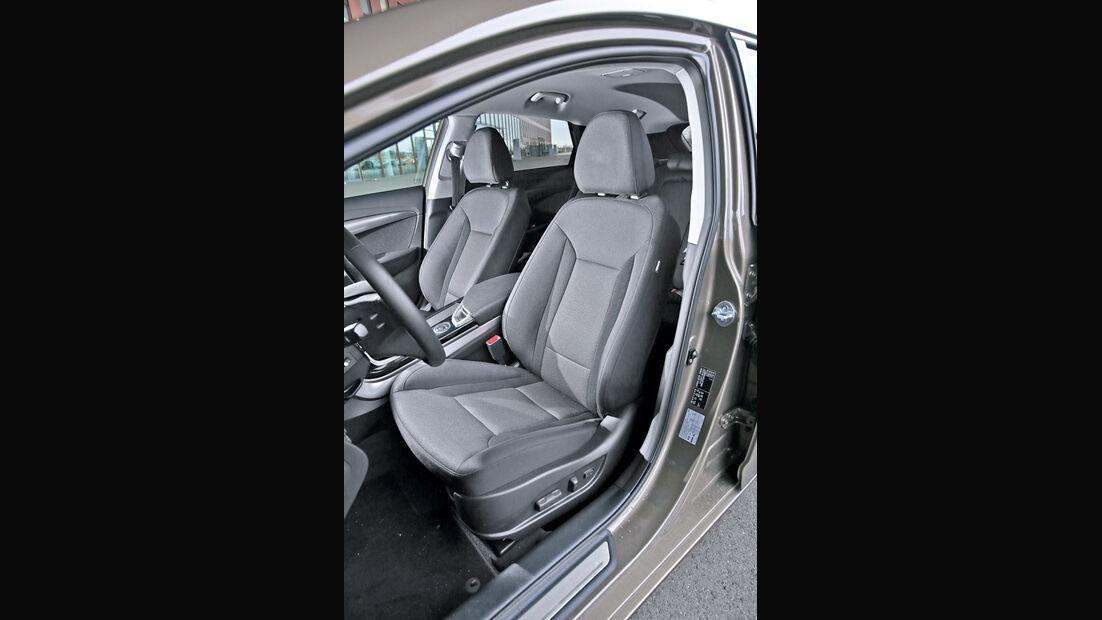 Hyundai i40 Kombi Blue 1.7 CRDi Style, Fahrersitz