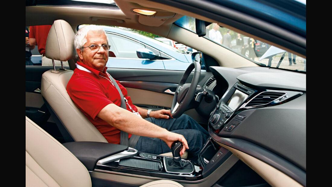 Hyundai i40cw, Hartmut Mende