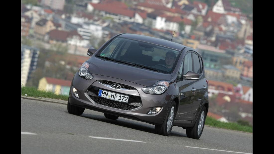 Hyundai ix20 Blue 1.4 CRDi, Frontansicht, Front, Fahrt