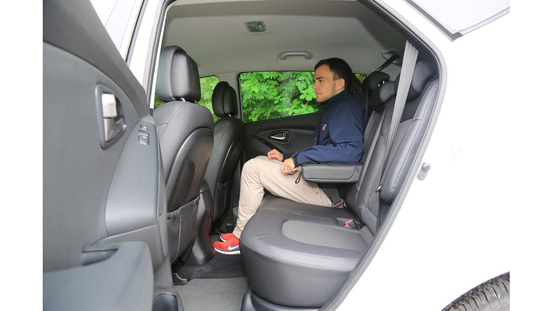 Hyundai ix35 2.0 CRDi 4WD, Fondsitz, Beinfreiheit