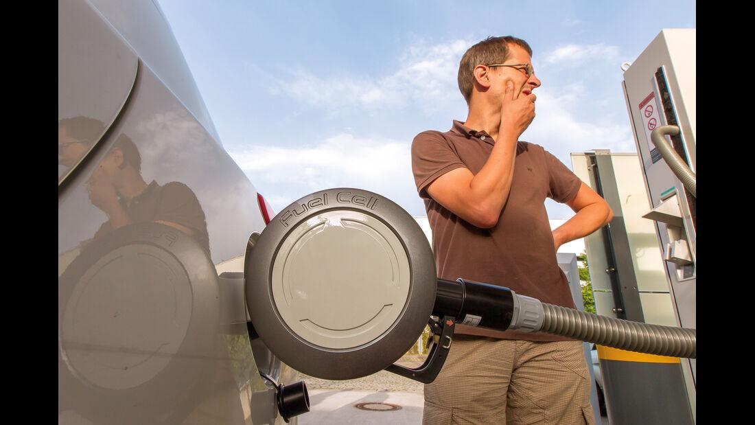 Hyundai ix35 Fuel Cell, Tanken