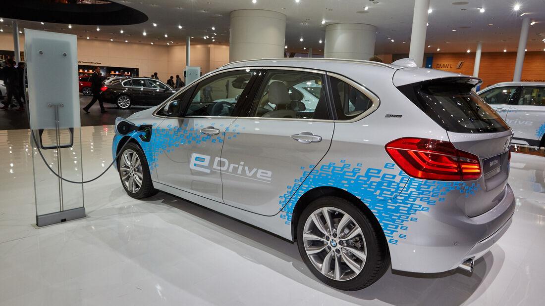 IAA 2015, BMW 225xe