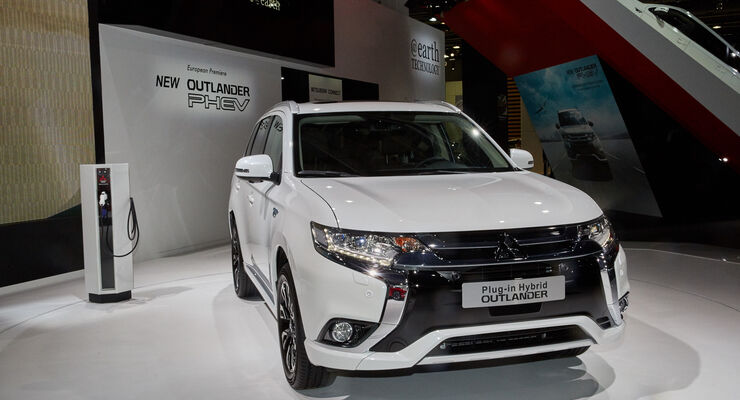 IAA 2015, Mitsubishi Outlander Plug-In