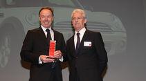 Ian Roberston (li.), Vertriebsvorstand BMW Group, mit auto motor und sport-Chefredakteur Bernd Ostmann