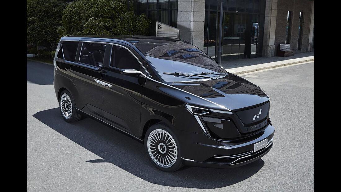 Iconiq Motors Seven