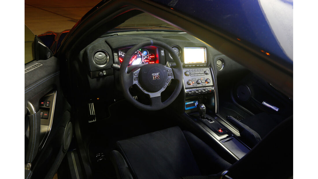 Importracing-Nissan GT-R, Cockpit, Lenkrad