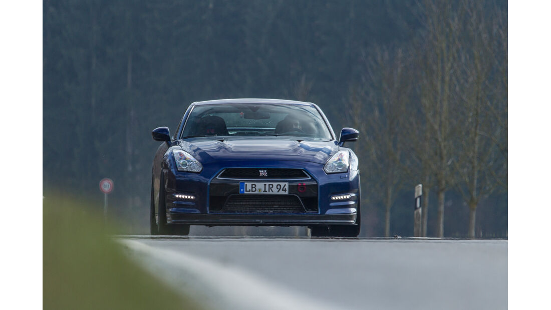 Importracing Nissan GT-R, Frontansicht