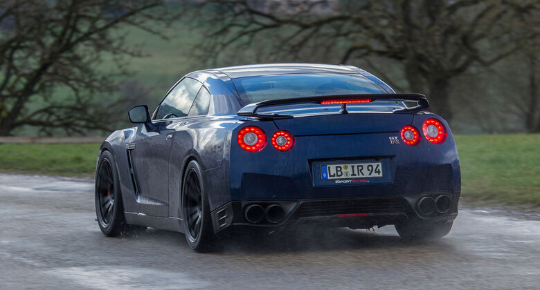 Importracing Nissan GT-R, Heckansicht