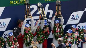 Impressionen - 24h-Rennen - Le Mans 2014 - Podest - Siegerehrung - Lotterer - Tréluyer - Fässler