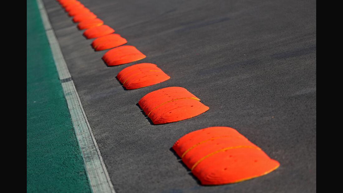 Impressionen - Banana Kerbs - GP Mexiko - Formel 1 - Donnerstag - 26.10.2017