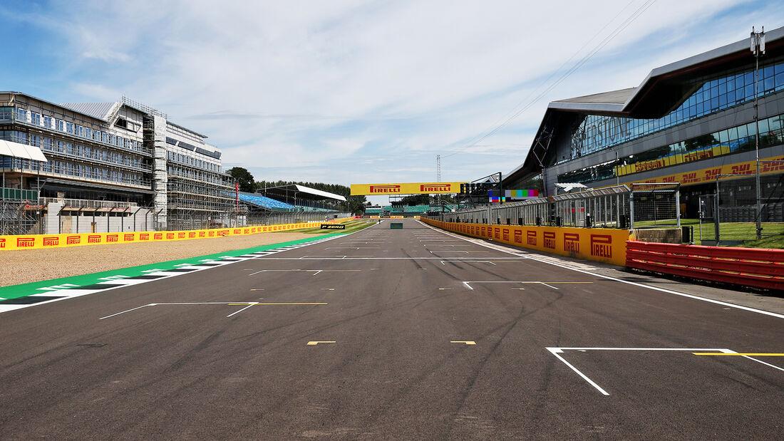 [Imagen: Impressionen-GP-England-Silverstone-30-J...710831.jpg]