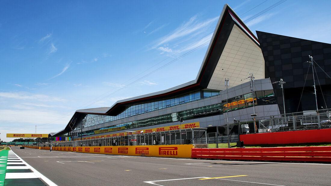 [Imagen: Impressionen-GP-England-Silverstone-30-J...710829.jpg]