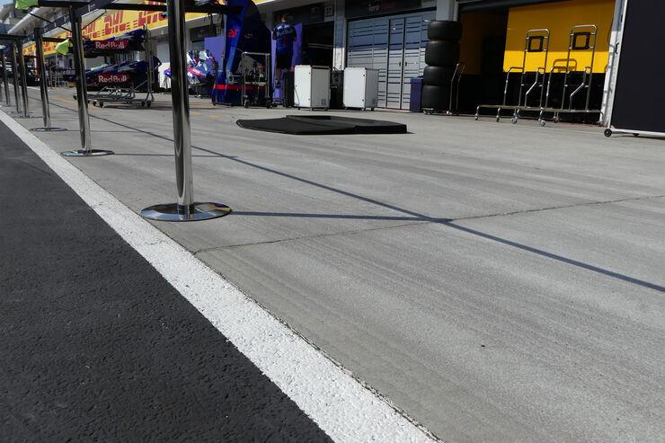 https://imgr1.auto-motor-und-sport.de/Impressionen-GP-Ungarn-Budapest-Formel-1-Mittwoch-25-7-2018-fotoshowBig-4452c05d-1178974.jpg
