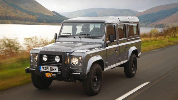 Ineos Grenadier vs. Land Rover Defender Classic
