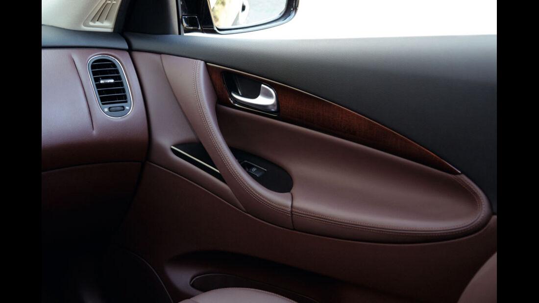 Infiniti EX30 D, Innenraum, Türverkleidung