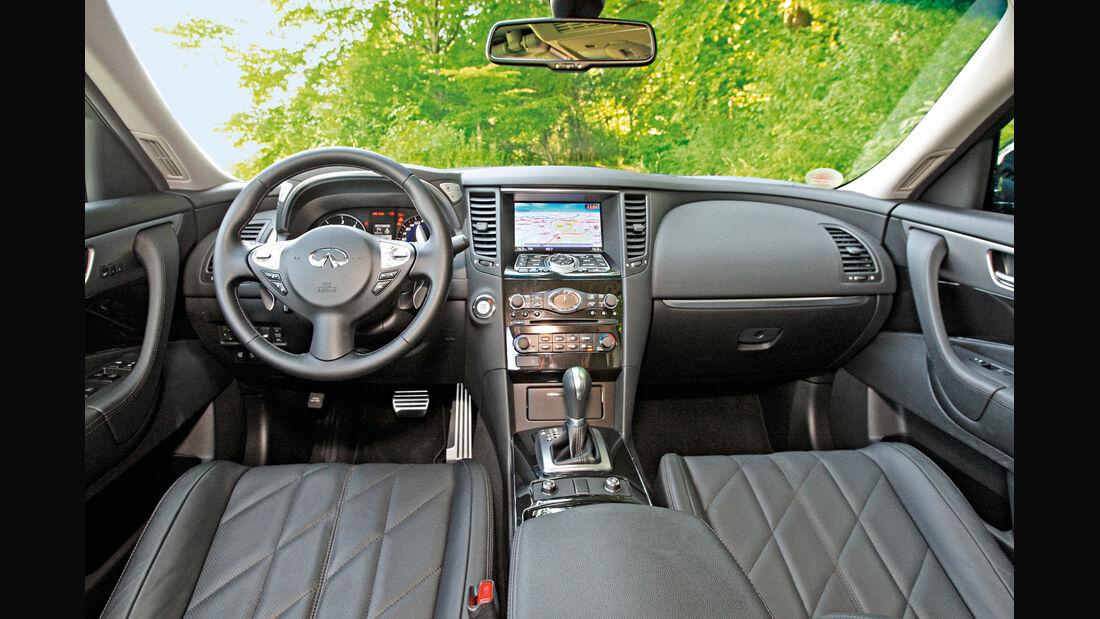Infiniti FX30d GT Premium, Cockpit, Lenkrad