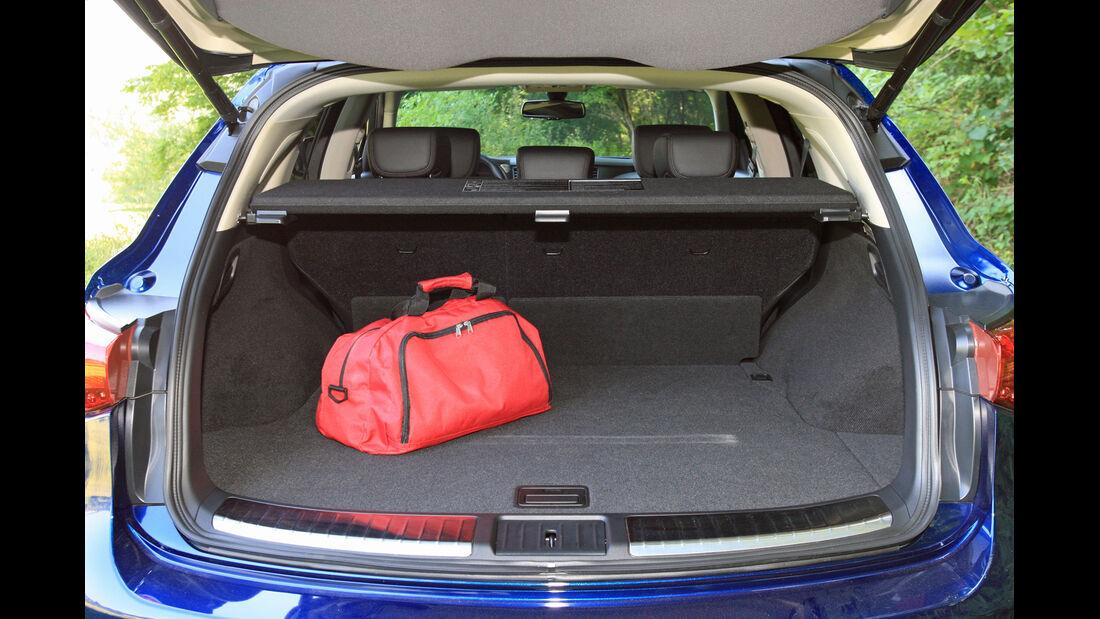 Infiniti FX30d GT Premium, Kofferraum