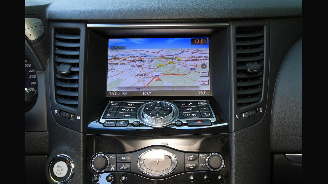 Infiniti FX30d GT Premium, Mittelkonsole