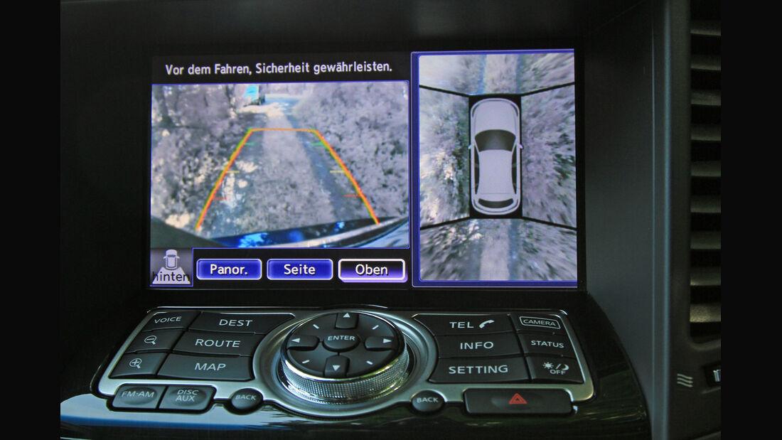 Infiniti FX30d GT Premium, Navi, Bordcomputer