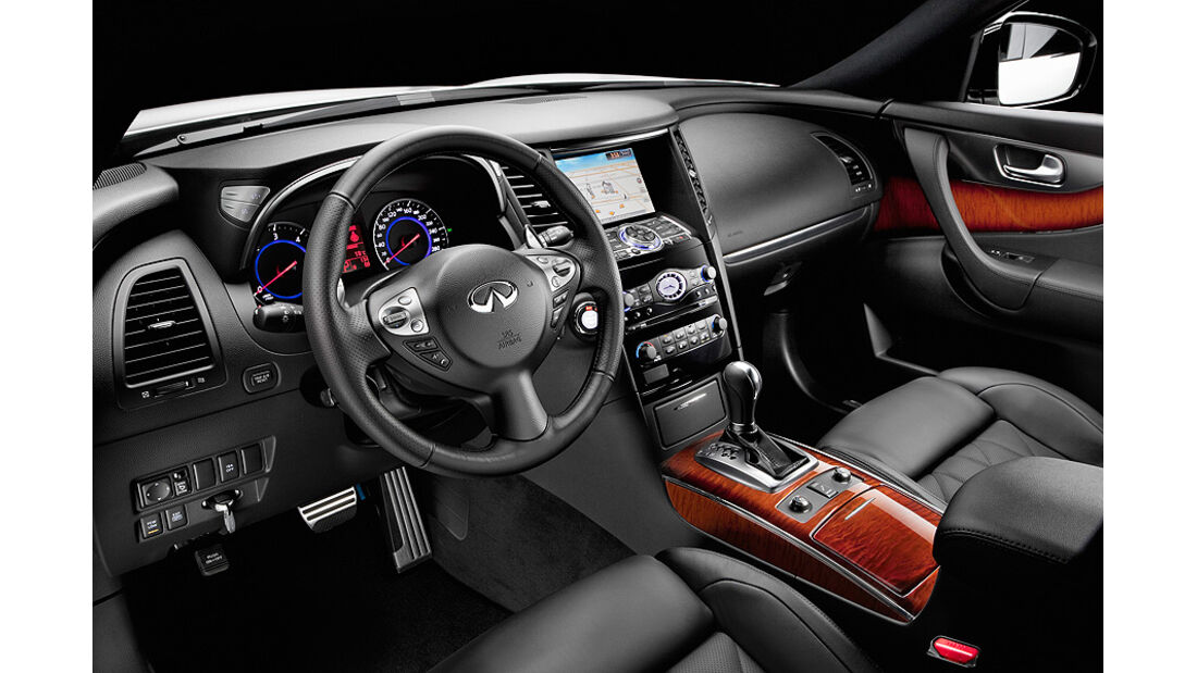 Infiniti FX30d S, Innenraum