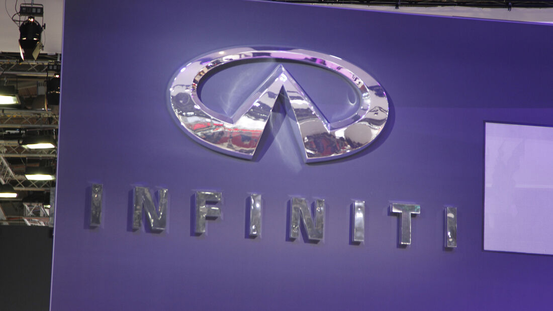 Infiniti Logo, Messe, Autosalon Paris 2012
