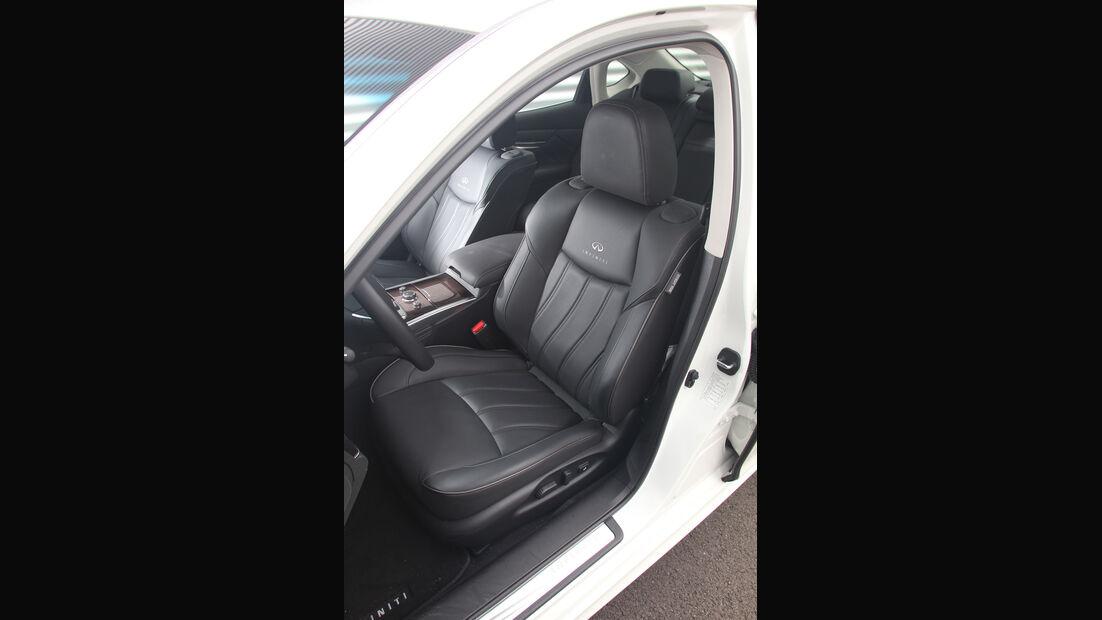Infiniti M35h GT Premium, Fahrersitz