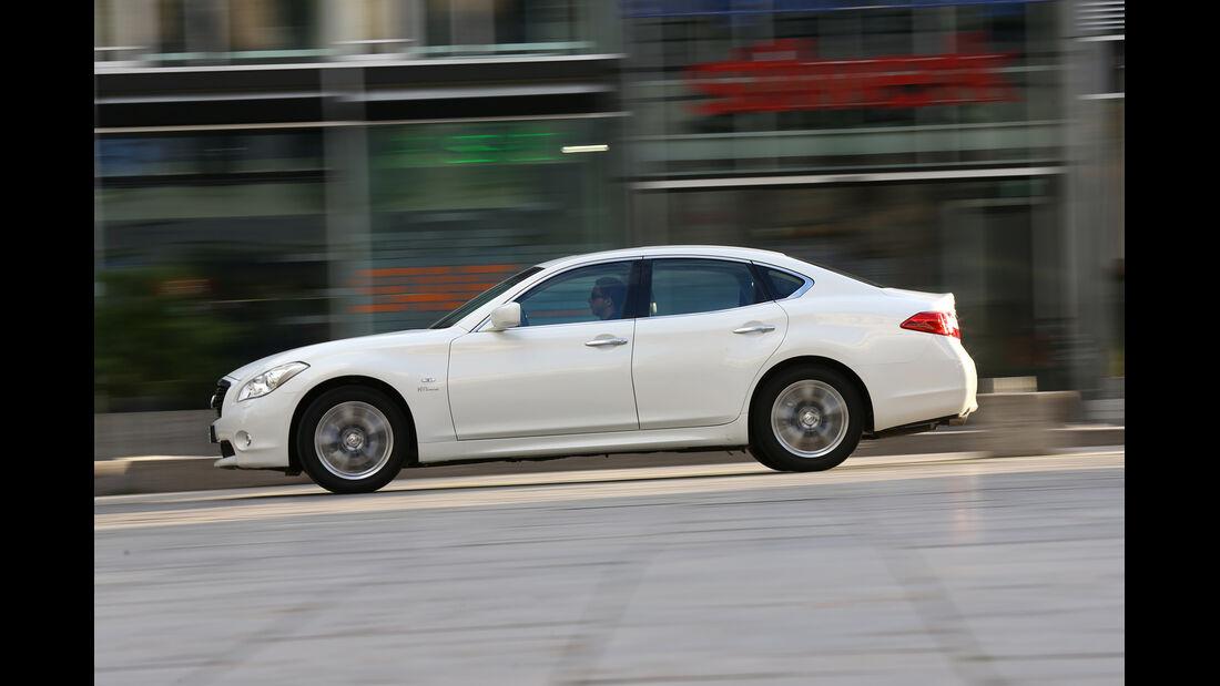 Infiniti M35h GT Premium, Seitenansicht