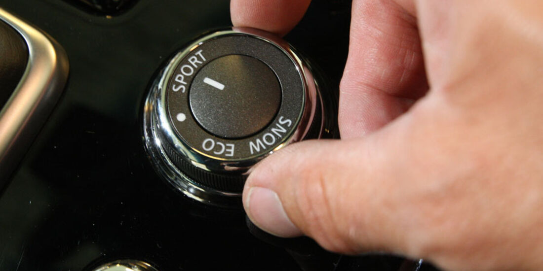 Infiniti M37 S, Fahrprogrammregler
