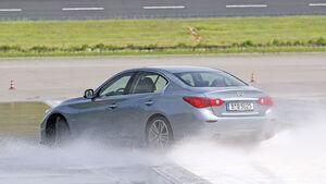 Infiniti Q50 Hybrid Bremsentest