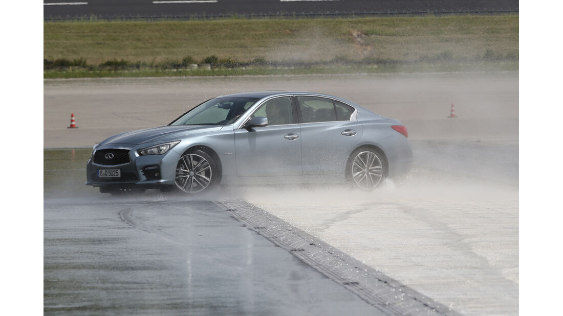Infiniti Q50 S 3.5 V6 Hybrid, Bremstest