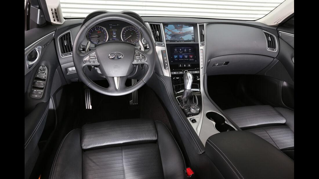Infiniti Q50 S 3.5 V6 Hybrid, Cockpit