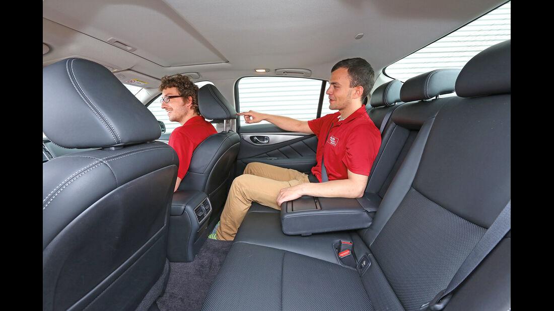 Infiniti Q50 S 3.5 V6 Hybrid, Fondsitz, Beinfreiheit