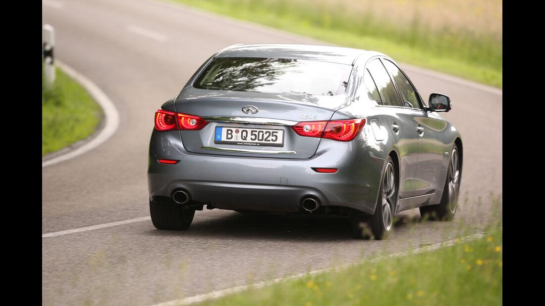 Infiniti Q50 S 3.5 V6 Hybrid, Heckansicht