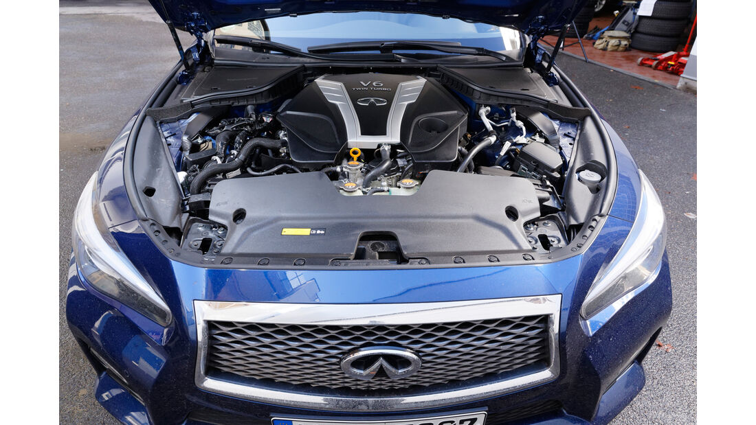 Infiniti Q50S 3.0t, Motor