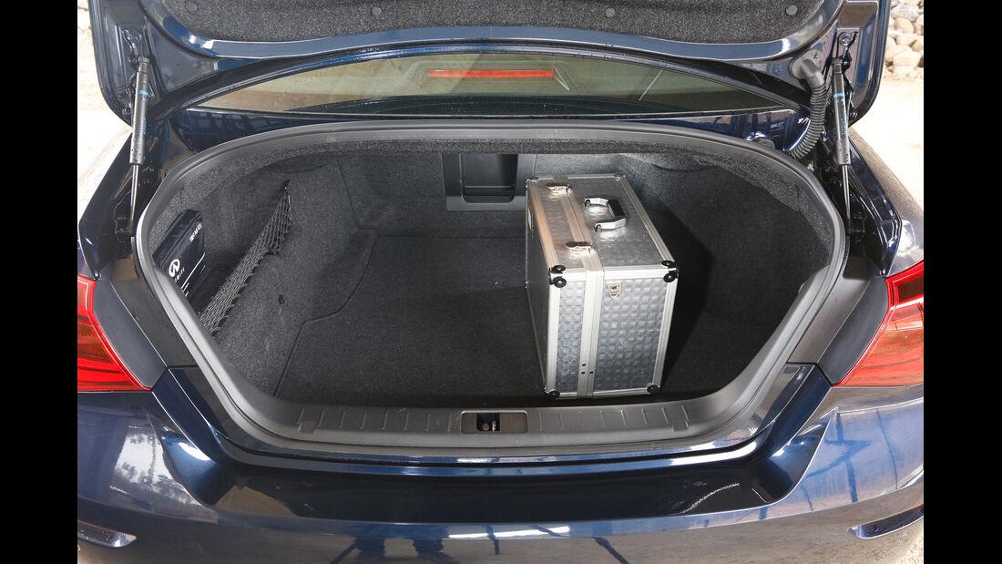 Infiniti Q70 2.2 D Sport, Kofferraum