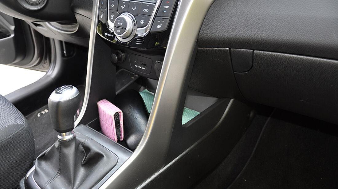 Innenraum-Check Hyundai i30, Ablagen, Staufächer